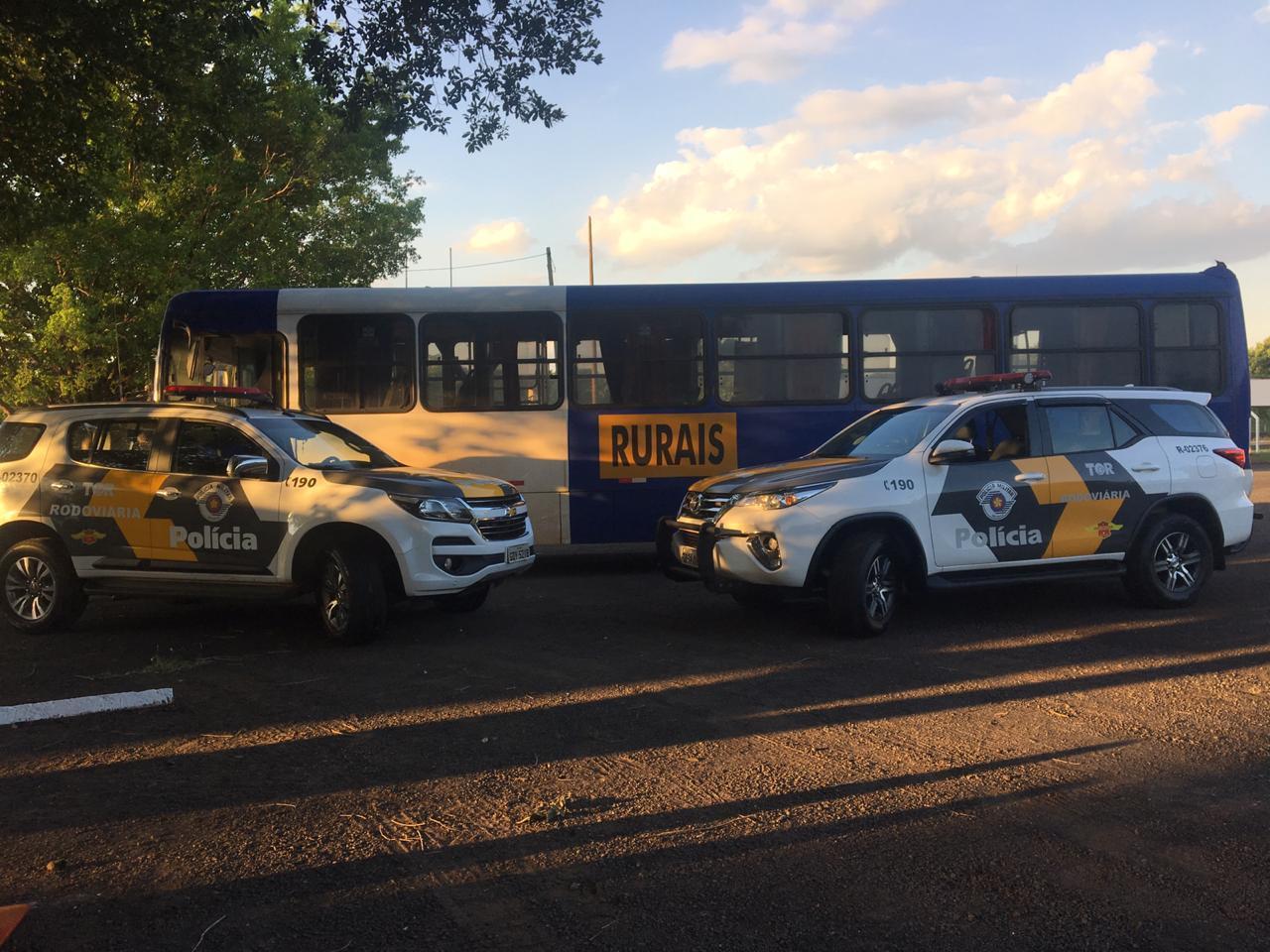 Polícia Rodoviária apreende grande quantidade de maconha em ônibus rural em Assis