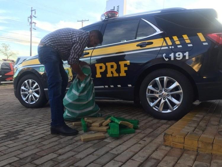 Jovem é preso com carro recheado de drogas após fugir de abordagem policial em rodovia em Ourinhos