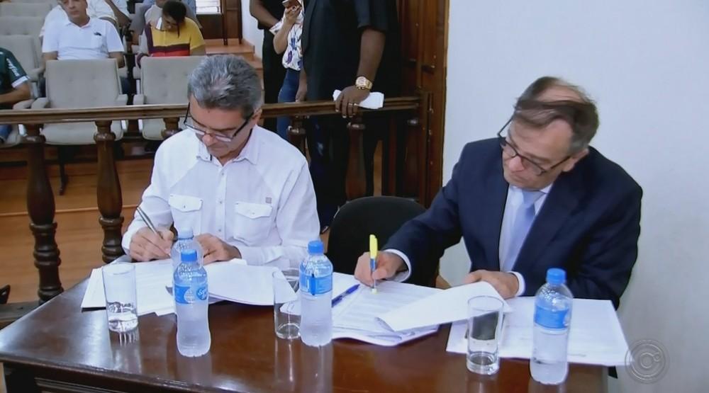Câmara aprova processo de cassação do prefeito de Tupã