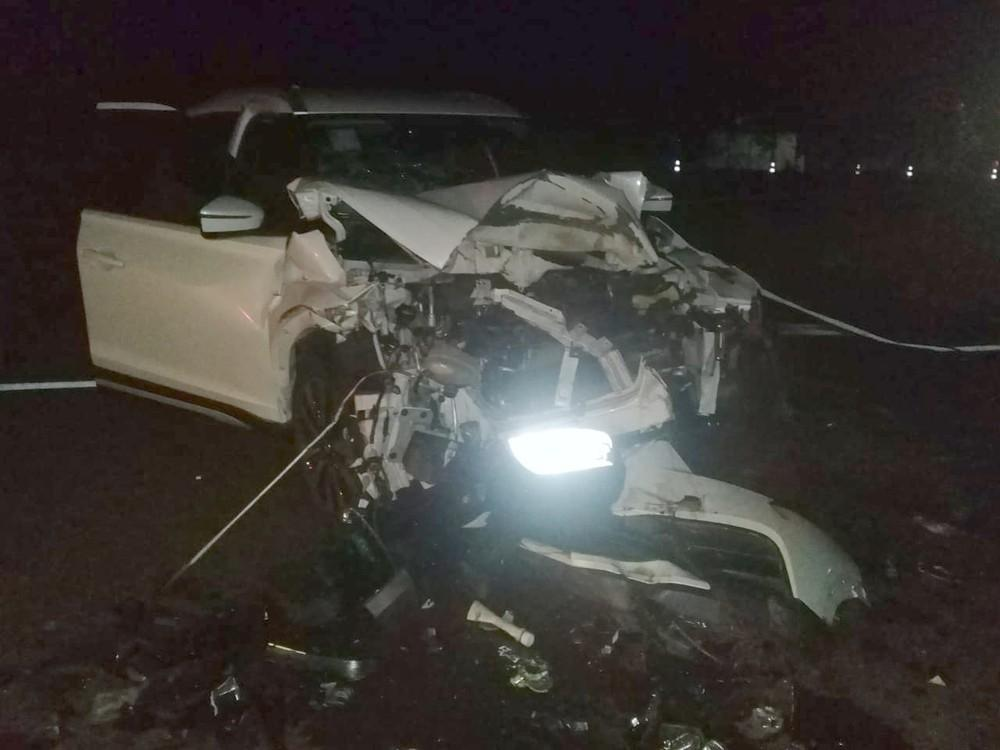 Jovem morre após carro capotar e bater contra árvore em vicinal