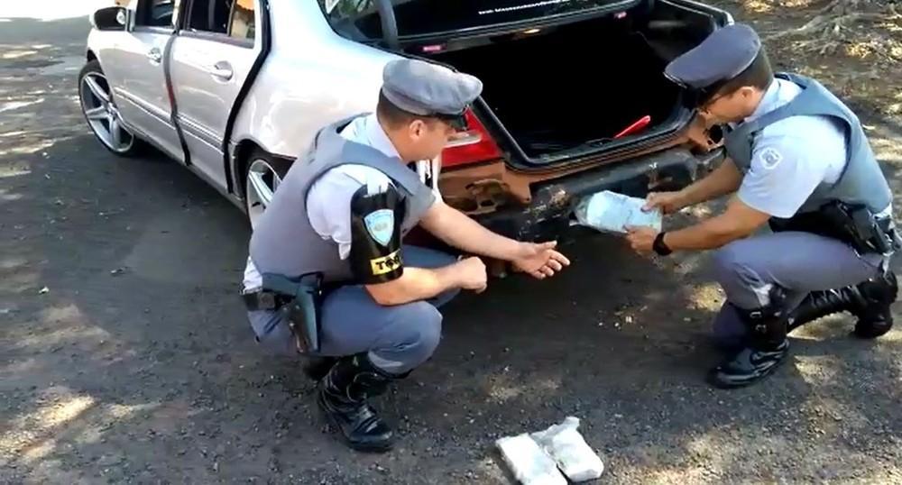Casal é preso com mais de 20 kg de haxixe em rodovia de Assis