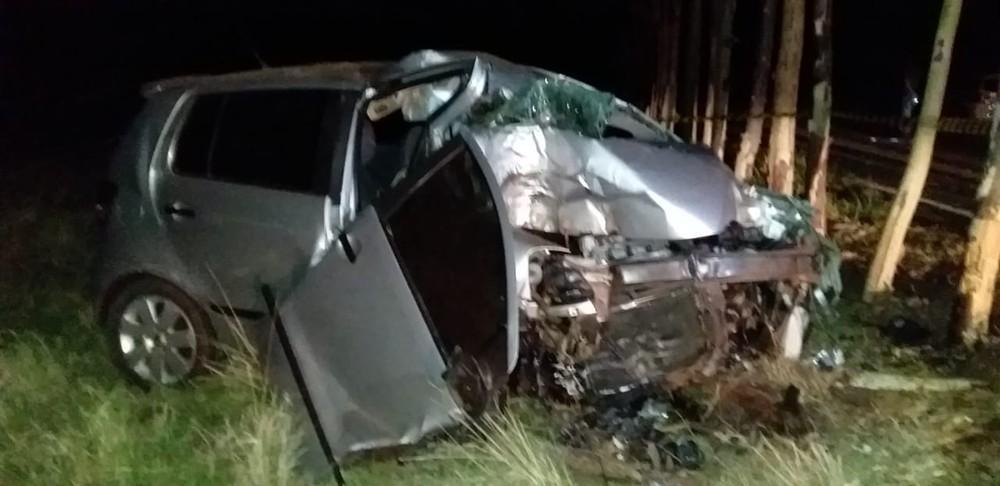 Motorista morre após perder o controle da direção e bater carro em árvores em Osvaldo Cruz
