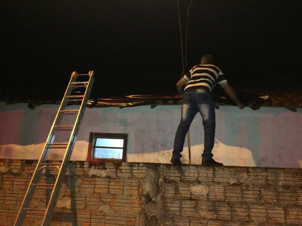 Chuva e ventania deixam casas destelhadas em Paraguaçu Paulista