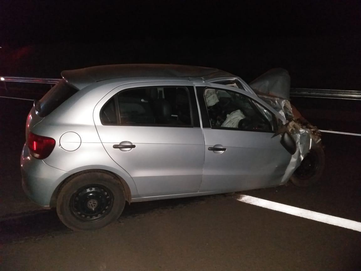 Motorista de Paraguaçu fica preso às ferragens após acidente em Tarumã