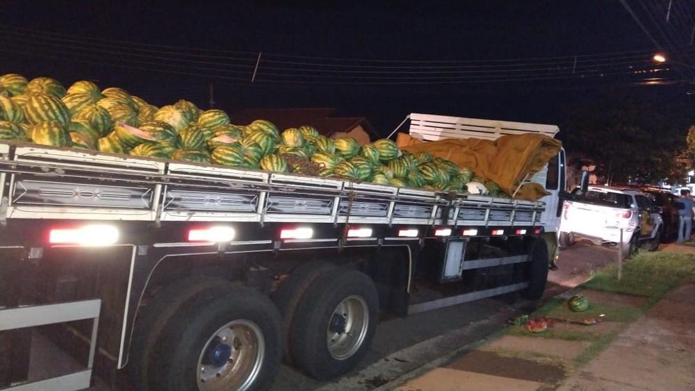 Polícia Rodoviária apreende mais de uma tonelada de maconha escondida em carga de melancia
