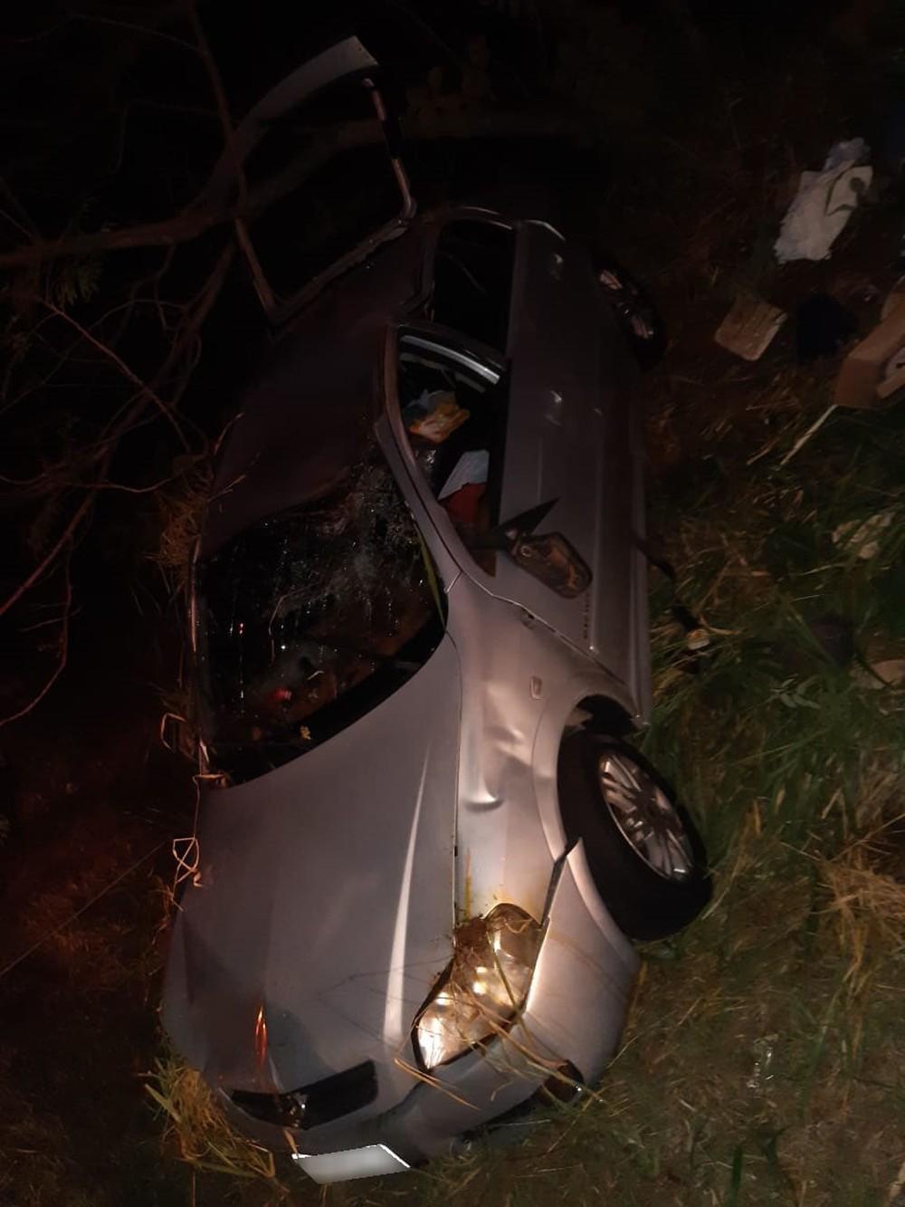 Capotamento de veículo deixa motorista em estado grave na SP-294, em Tupi Paulista